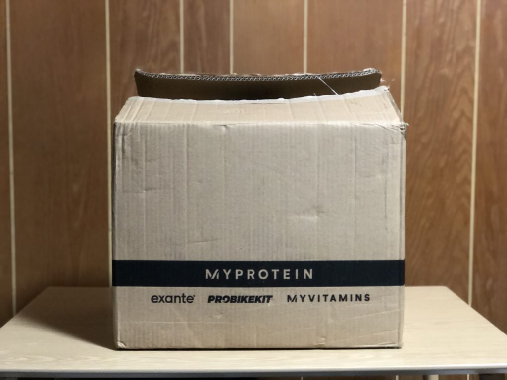 MYPROTEINの箱