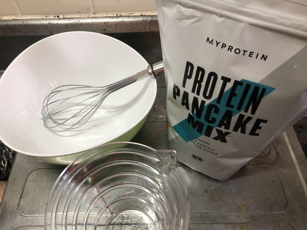 マイプロテインのパンケーキミックスと調理器具