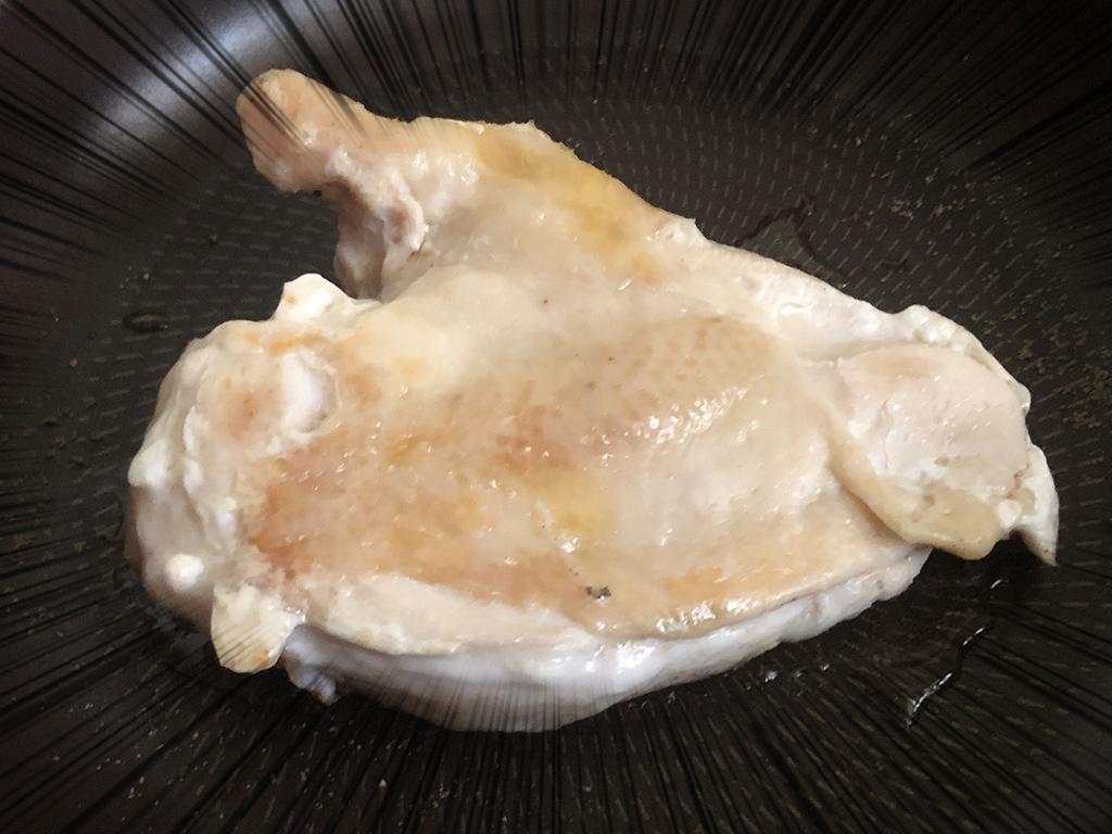 ひっくり返した鶏むね肉:拡大